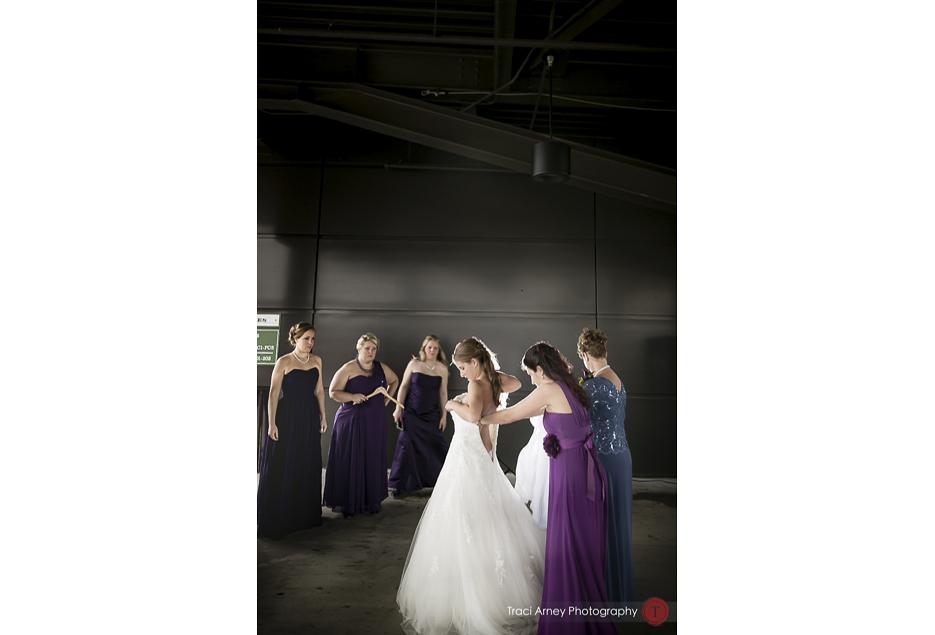 013-©2015-Traci-Arney-Photography-019-baseball-wedding-BBandT-Stadium-Winston-Salem-NC