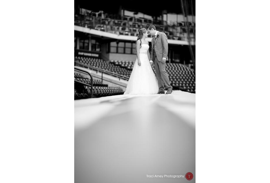 021-©2015-Traci-Arney-Photography-033-baseball-wedding-BBandT-Stadium-Winston-Salem-NC